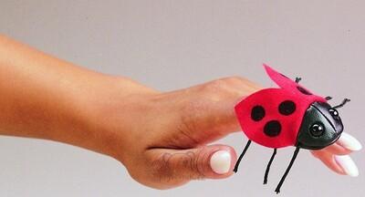 Plyšová hračka: Maňásek na prst beruška 1+2 ZDARMA plyšová   Folkmanis