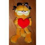 plyšový Garfield má srdce