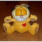 plyšový Garfield se srdíčkem, plyšová hračka