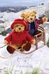 plyšový Medvěd Henrietta oblečený, plyšová hračka
